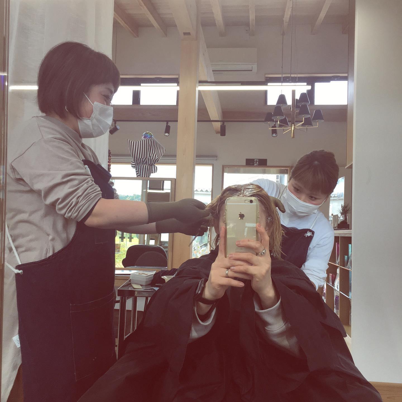 Totti Totti hair design平日  10:00〜20:00lastcut 18:30 other 18:00土日祝  9:00〜19:00lastcut 18:00 other 17:00close  wednesdayhttp://www.totti-hd.com今日はお店はお休みを頂きスタッフの練習会とさせて頂いております❣️真剣な眼差しでのカラー練習😎新スタッフのレベルアップ楽しみです#totti #hair #color #perm #cut #hairstyle #haircolor #hairarrange #stylist #care #carelist #aujua #イルミナカラー #headspa #treatment #美容院#着付け