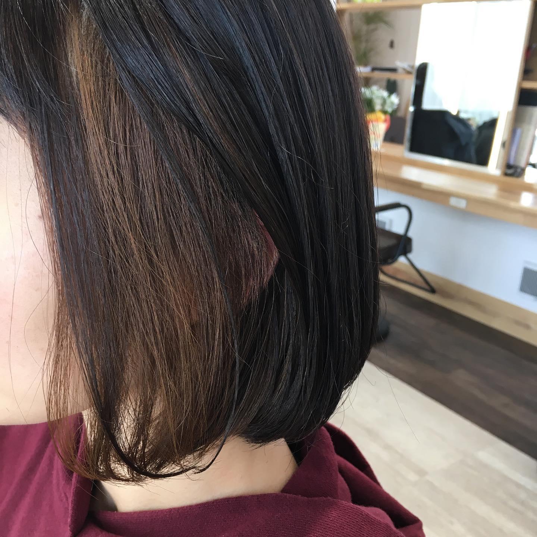 平日  10:00〜20:00lastcut 18:30 other 18:00土日祝  9:00〜19:00lastcut 18:00 other 17:00close  wednesdayhttp://www.totti-hd.com耳にかけた時にわかるインナーカラーブリーチ無しの柔らかベージュ🥺いつまでも可愛いママありがとうございました#totti #hair #color #perm #cut #hairstyle #haircolor #hairarrange #stylist #care #carelist #aujua #イルミナカラー #headspa #treatment #美容院#着付け