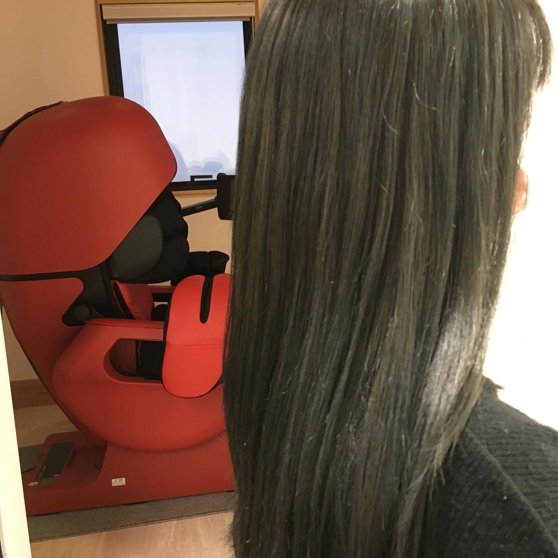 Totti Totti hair design平日  10:00〜20:00lastcut 18:30 other 18:00土日祝  9:00〜19:00lastcut 18:00 other 17:00close  wednesdayhttp://www.totti-hd.com 光の入り方で見える色が変わる🥺ダークマット退色も楽しみ#totti#perm #cut #hairstyle #haircolor #hairarrange #stylist #care #carelist #aujua #イルミナカラー #headspa #treatment #美容院#着付け