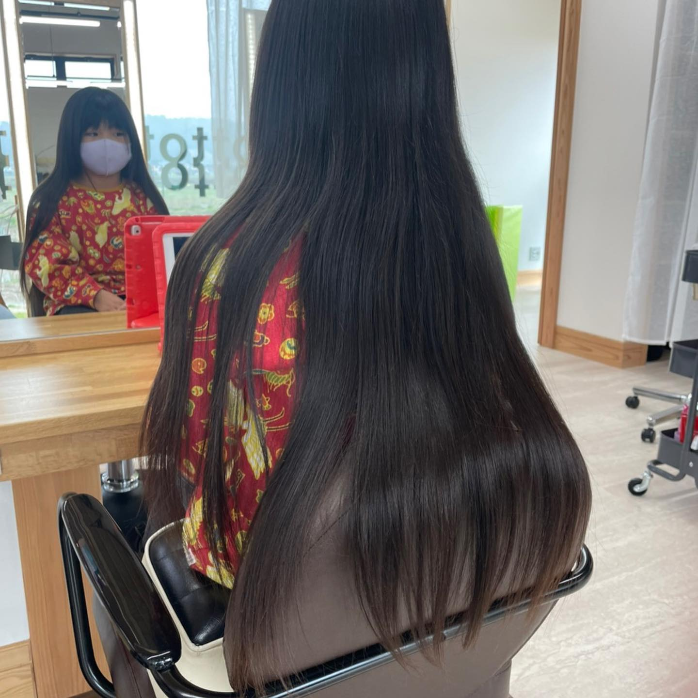 平日  10:00〜20:00lastcut 18:30 other 18:00土日祝  9:00〜19:00lastcut 18:00 other 17:00close  wednesdayhttp://www.totti-hd.comヘアドネーション長い髪頂きました♀️断髪式はお母さんにも切ってもらいました︎ありがとうございました#totti#perm #cut #hairstyle #haircolor #hairarrange #stylist #care #carelist #aujua #イルミナカラー #headspa #treatment #美容院#着付け