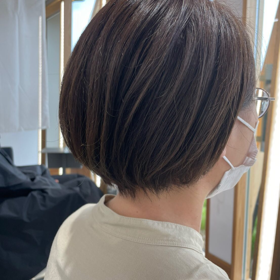 伸ばしやすいように表面はそのままに全体揃えて︎カラーも明るく春色に#totti #hair #color #perm #cut #hairstyle #haircolor #hairarrange #stylist #care #carelist #aujua #イルミナカラー #headspa #treatment #美容院