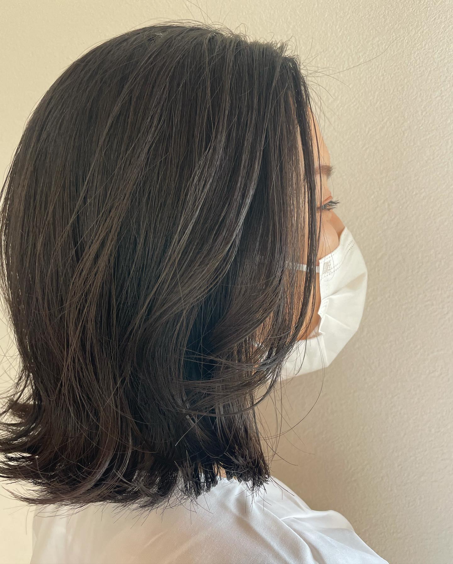 少し巻くだけで大人っぽさ倍増🦳かわいい外はねと内巻きのMIXで#totti #hair #color #perm #cut #hairstyle #haircolor #hairarrange #stylist #care #carelist #aujua #イルミナカラー #headspa #treatment #美容院