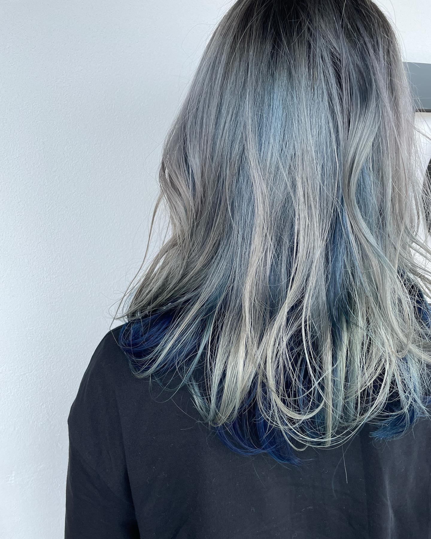 two-tone..#ツートーンカラー #two-tone#blue#silver#ハイトーンカラー..〠627-0004京丹後市峰山町荒山1220-1︎0772608704close:Wednesday