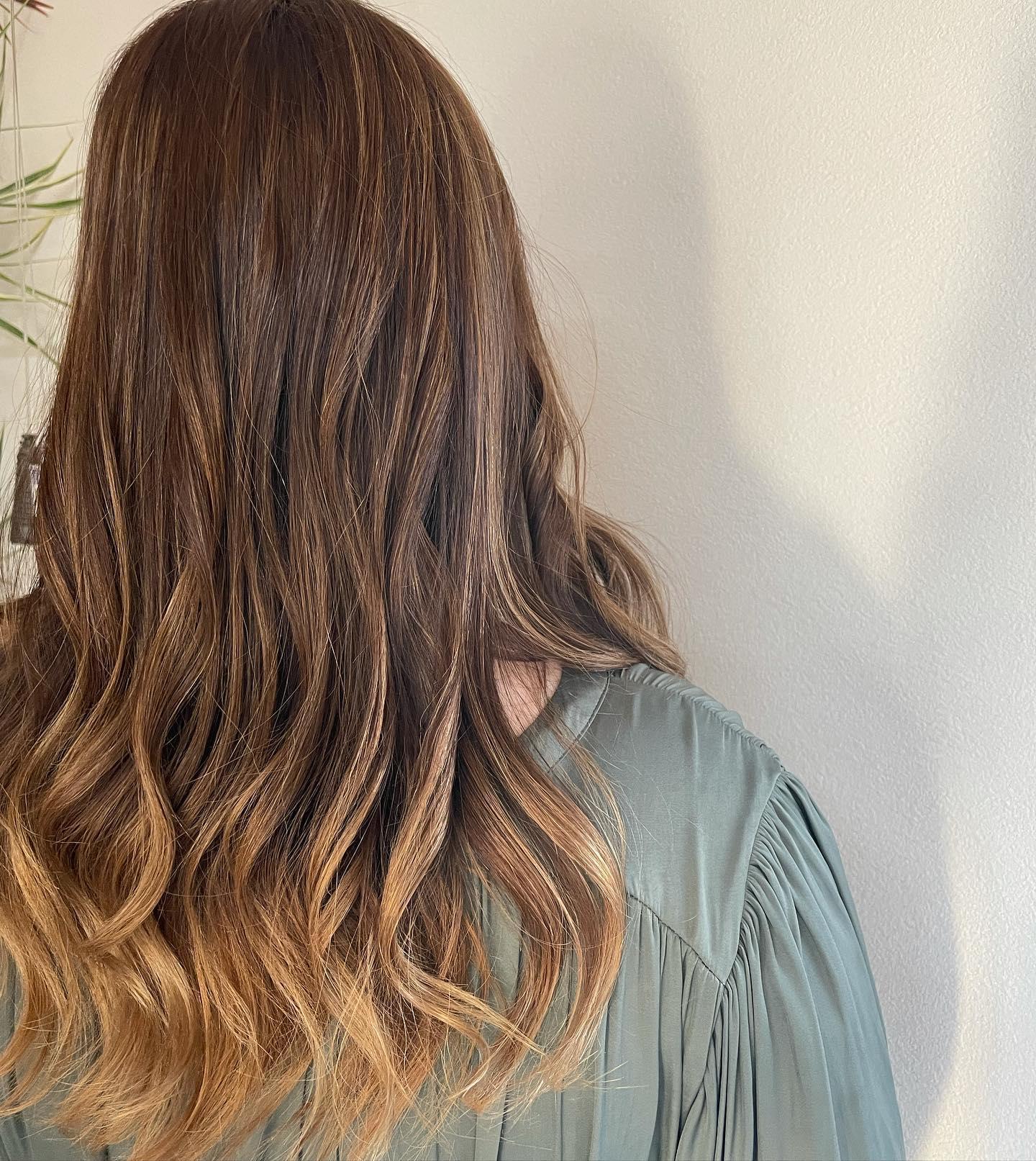 前回のグラデーションをそのまま生かしてまだまだ明るい感じでいきましょー♪♪#totti #hair #color #perm #cut #hairstyle #haircolor #hairarrange #stylist #care #carelist #aujua #イルミナカラー #headspa #treatment #美容院