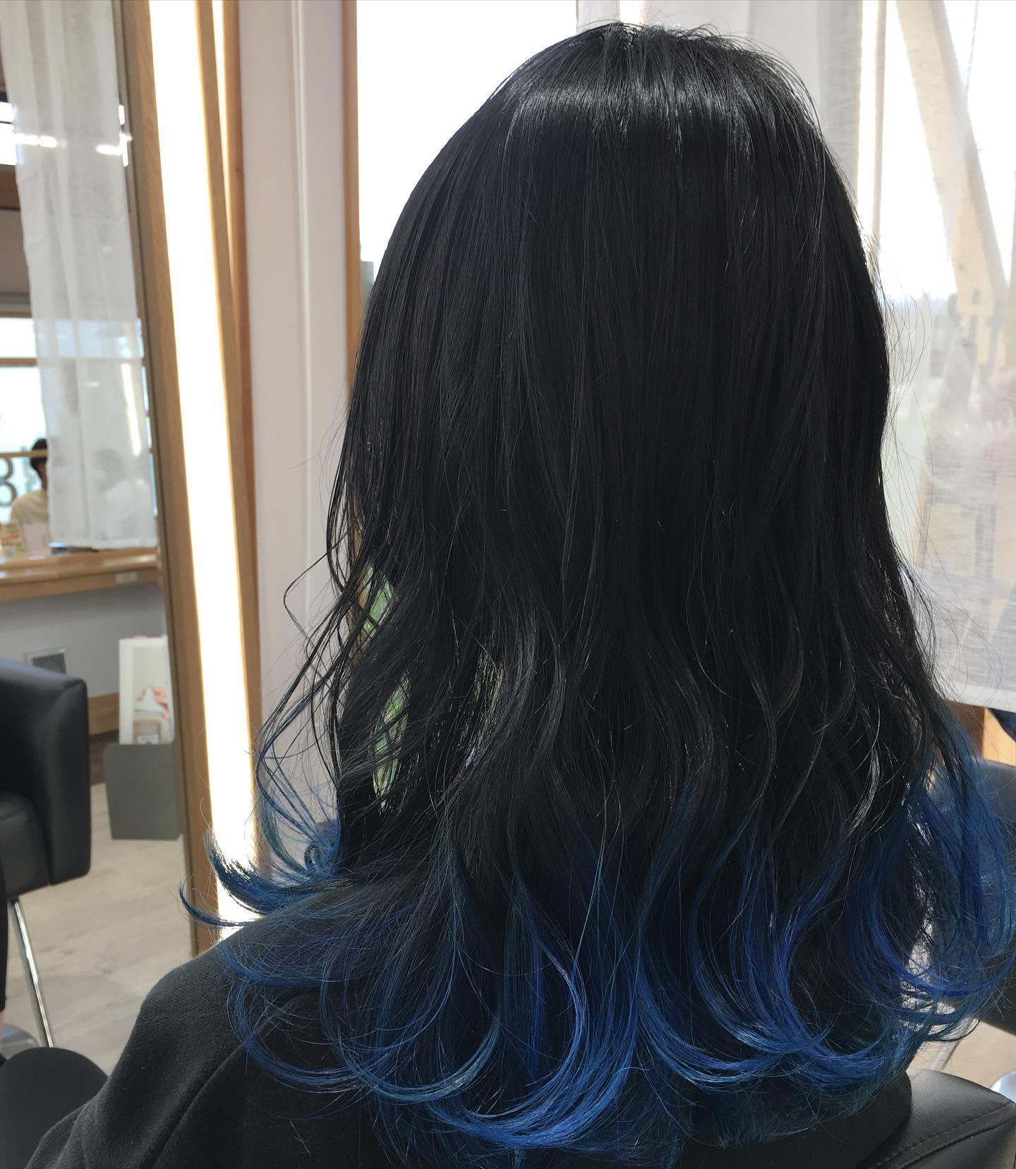平日  10:00〜20:00lastcut 18:30 other 18:00土日祝  9:00〜19:00lastcut 18:00 other 17:00close  wednesdayhttp://www.totti-hd.comブルーグラデーションクールでかっこ可愛い#totti#perm #cut #hairstyle #haircolor #hairarrange #stylist #care #carelist #aujua #イルミナカラー #headspa #treatment #美容院#着付け