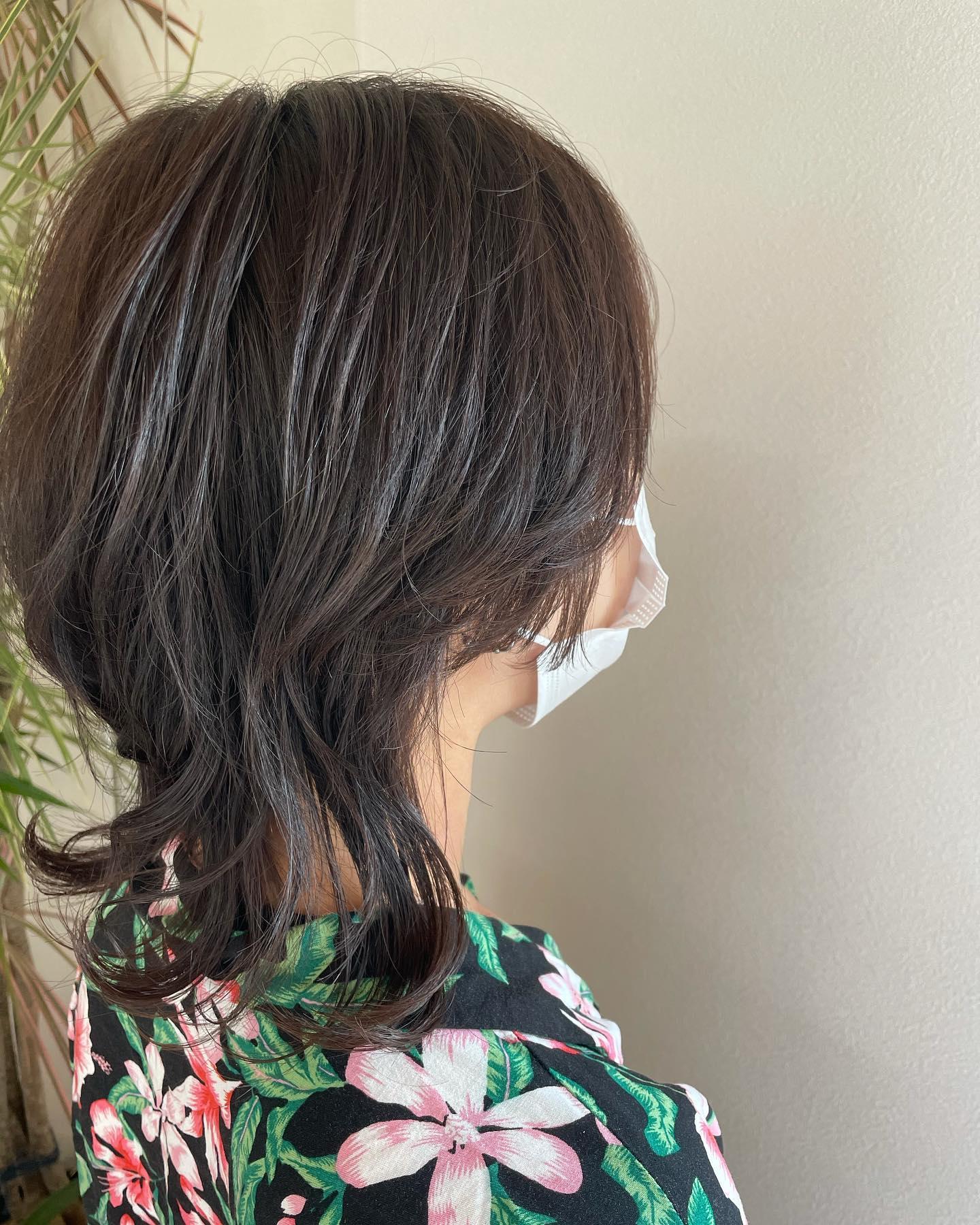 もともとウルフだったスタイルをよりウルフに😎後ろを切って顔まわりも短くして︎コテで巻くとまたイメージが変わって可愛い#totti #hair #color #perm #cut #hairstyle #haircolor #hairarrange #stylist #care #carelist #aujua #イルミナカラー #headspa #treatment #美容院